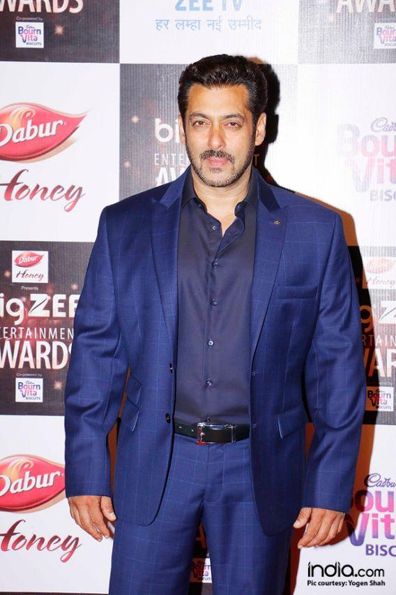<p>Salman Khan was the highest paid actor of Bollywood in 2016. He charged 60 crores per film. </p>