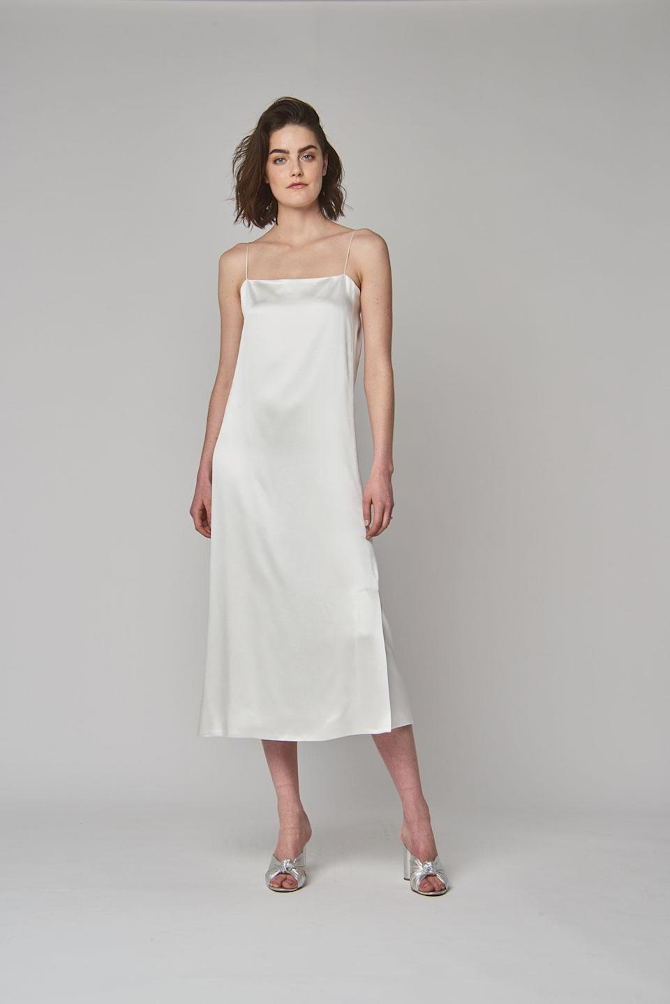 <p>For the minimalist bride, a simple white dress. (Photo: Courtesy of Alexandra Grecco) </p>