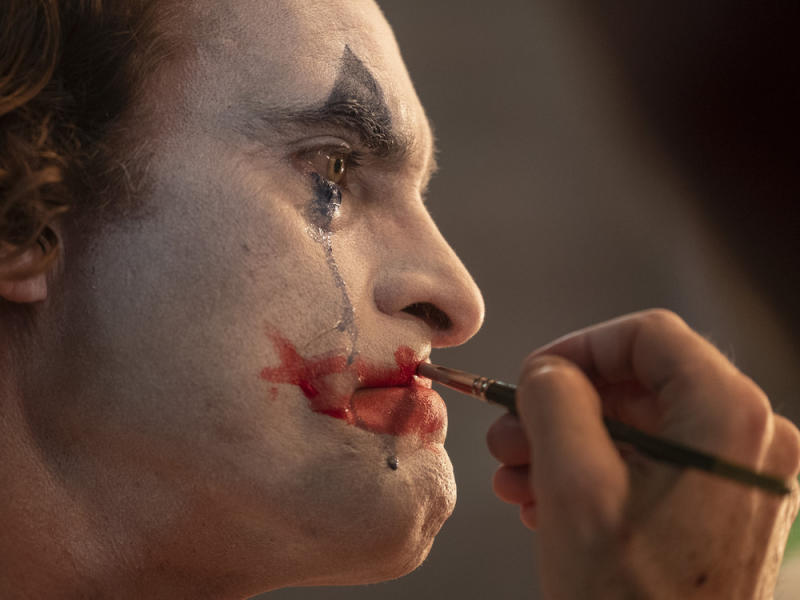 "Joaquin Phoenix spielt den ""Joker"" (Bild: Niko Tavernise / © 2019 Warner Bros. Entertainment Inc. All Rights Reserved)"