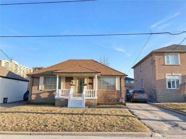 "<p><a href=""https://www.zoocasa.com/toronto-on-real-estate/5162049-43-stayner-ave-toronto-on-m6b1n5-w4075826"" rel=""nofollow noopener"" target=""_blank"" data-ylk=""slk:43 Stayner Ave., Toronto, Ont."" class=""link rapid-noclick-resp"">43 Stayner Ave., Toronto, Ont.</a><br> Location: Toronto, Ontario<br> List Price: $999,900<br> (Photo: Zoocasa) </p>"