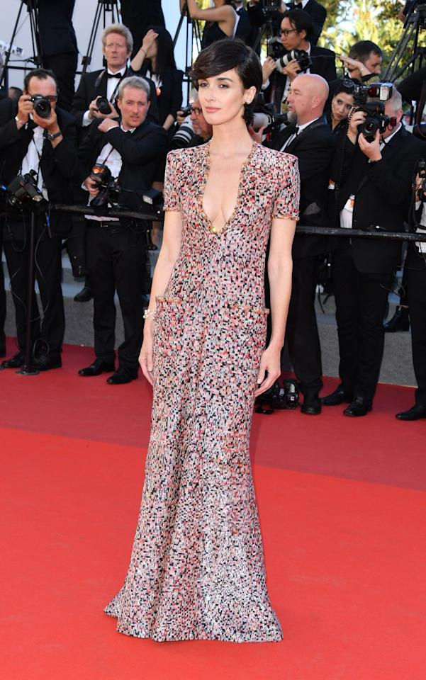 <p>The Spanish actress Paz Vega opted for sleek and refined in a multicolor dress, with patch pockets, from Armani Privé for the <em>120 Beats Per Minute</em> screening (Photo: Getty Images) </p>
