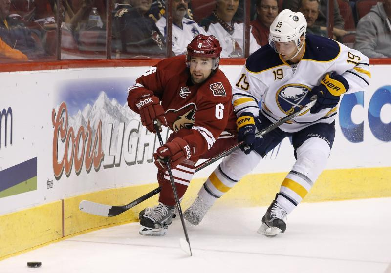 Sabres rally to beat Coyotes 3-2