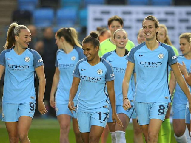 Manchester City move top of the Women's Super League after rivals Chelsea are held by Reading