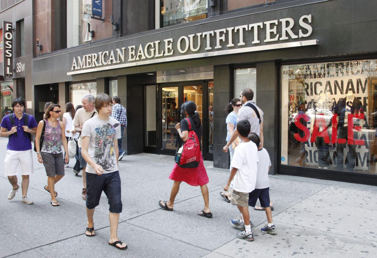 <p><strong>Top clothing brands</strong><br />No. 2: American Eagle<br />11 per cent of teens<br />(Canadian Press) </p>