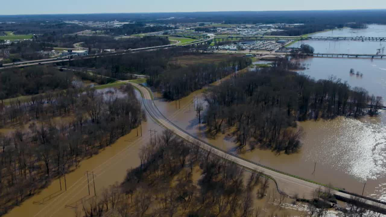 Drone video of flooding along Old Brandon Road [Video]