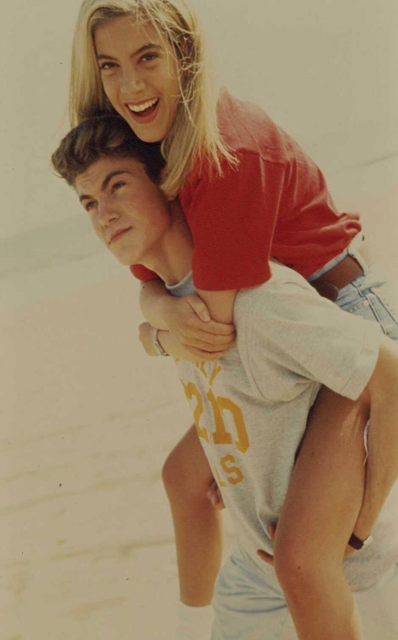 """Brian Austin Green and Tori Spelling played David and Donna on """"Beverly Hills, 90210."""" (Photo: mikel roberts/Sygma via Getty Images)"""
