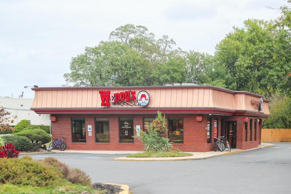 "<p>New Jersey might be eating <a href=""https://www.thedailymeal.com/cook/regional-breakfast-foods?referrer=yahoo&category=beauty_food&include_utm=1&utm_medium=referral&utm_source=yahoo&utm_campaign=feed"" rel=""nofollow noopener"" target=""_blank"" data-ylk=""slk:Taylor ham for breakfast"" class=""link rapid-noclick-resp"">Taylor ham for breakfast</a>, but when lunch rolls around, people are headed to Wendy's.</p>"
