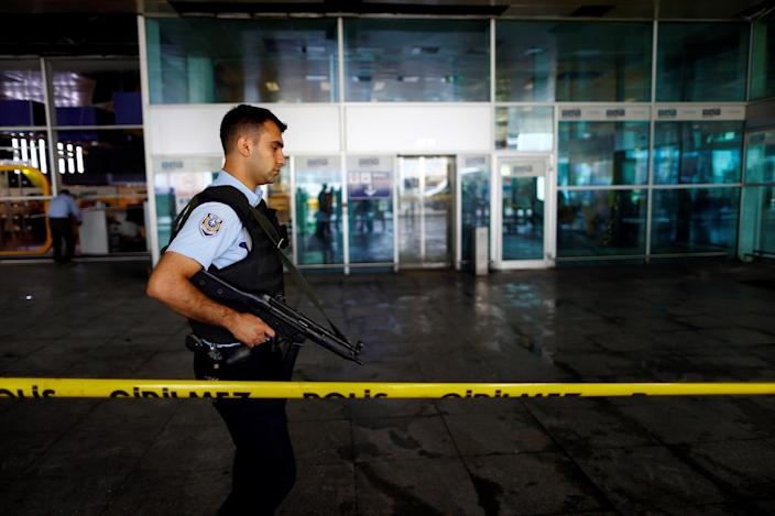<p>A police officer patrols at Turkey's largest airport, Istanbul Ataturk, following yesterday's blast June 29, 2016. (REUTERS/Osman Orsal) </p>