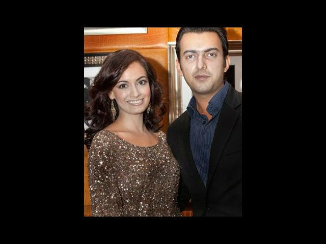 <b>2. Dia Mirza and Sahil Sangha</b><br> Sahil Sangha is Dia's partner in both her personal and professional life. They run a production house called 'Born Free Entertainment Private Limited'. Sahil is a trained marketing professional and had also worked as an Assistant Director in Saalam-e-Ishq. They have been dating for quite a while now.