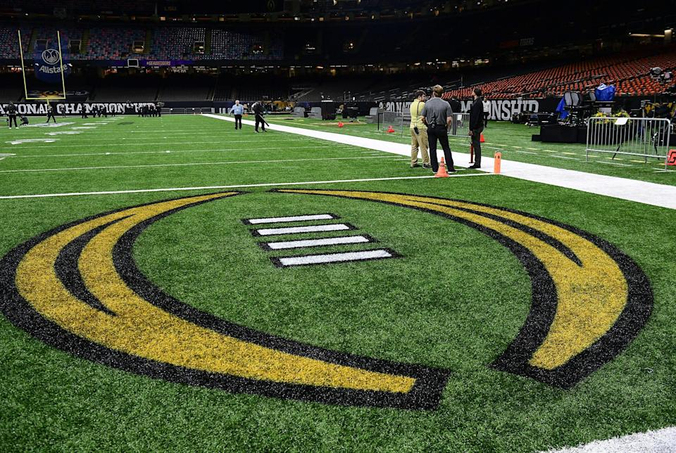 CFP continues to schedule semifinals on dates that don't make sense