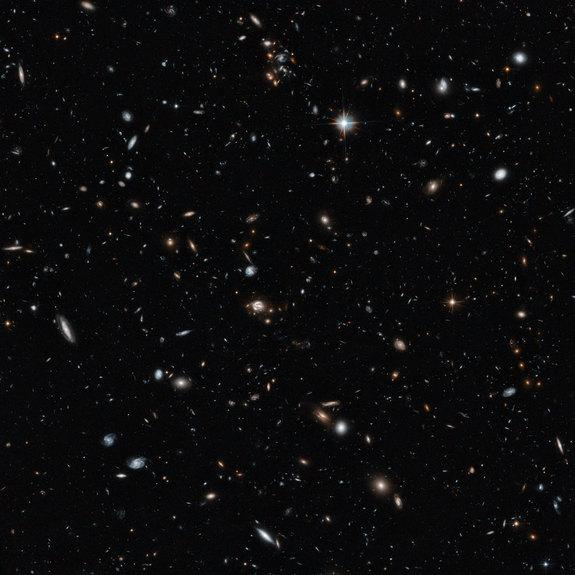 Stunning Hubble Telescope View Reveals Deep View of Universe (Video, Image)