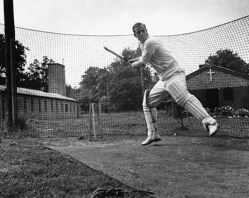 Prince Philip playing cricket in 1947 (Getty Images)
