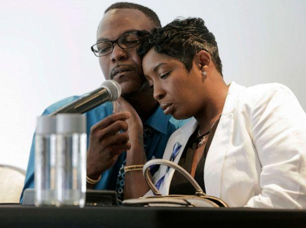PHOTO: In this Tuesday, Aug. 14, 2018 photo, Raymond Pryer comforts Dikeisha Whitlock-Pryer while they talk to the media in Houston, about their 3-year-old son, Raymond Pryer Jr., who died after he was left in a bus for hours. (Elizabeth Conley/Houston Chronicle via AP)