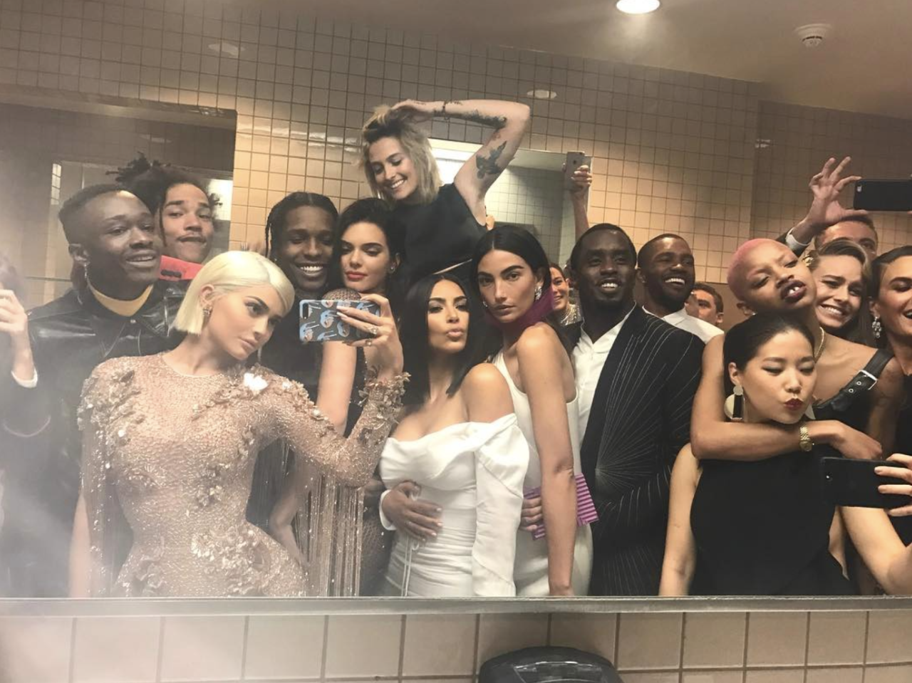 <p>Obviously it was down to Instagram Queen, Kylie Jenner to take the snap of the year, posting this absolutely epic toilet selfie on her Instagram. [Photo: Kylie Jenner/ Instagram] </p>