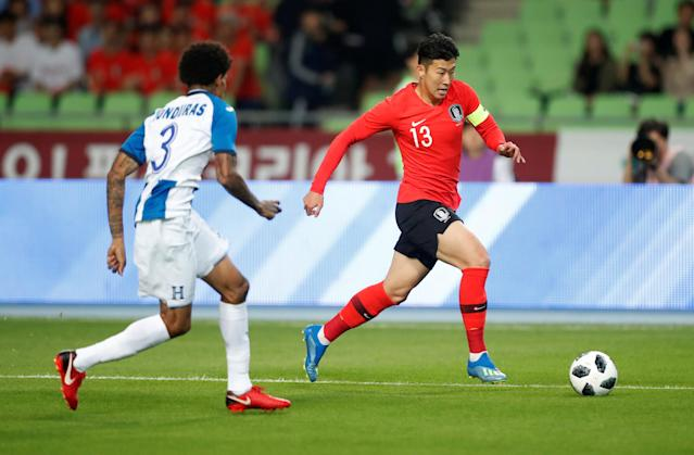 Soccer Football - International Friendly - South Korea vs Honduras - Daegu Stadium, Daegu, South Korea - May 28, 2018 South Korea's Son Heung-Min in action with Honduras' Henry Figueroa REUTERS/Kim Hong-Ji