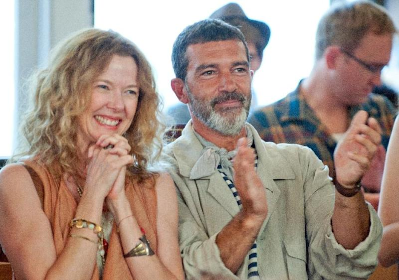 """This undated film image released by Fox Searchlight Pictures shows Annette Bening, left, and Antonio Banderas in a scene from """"Ruby Sparks."""" (AP Photo/Fox Searchlight Films, Merrick Morton)"""