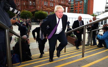 'Fed up' Boris Johnson denies he'd cling to cabinet role