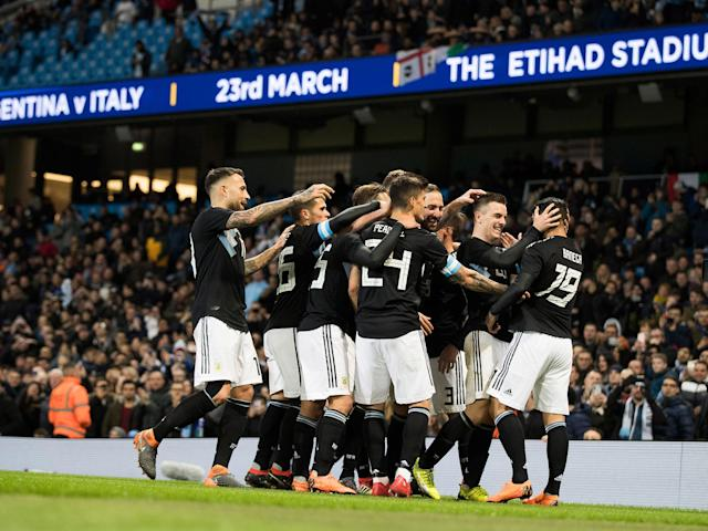 Ever Banega and Manuel Lanzini break Italy's resistance to hand Argentina victory without Lionel Messi