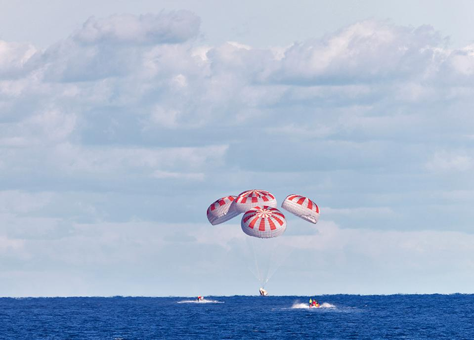 Nasa and SpaceX practised the splashdown procedures in an uncrewed mission last year