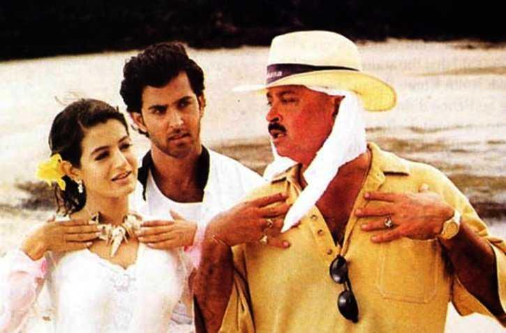 The film was launched with Hrithik Roshan and Kareena Kapoor in the lead roles. Kareena dropped out after a few days of shooting owing to differences between her mom Babita and director Rakesh Roshan. Ameesha Patel, whose family had known Roshans for a long time, stepped in to play the film's heroine Sonia.