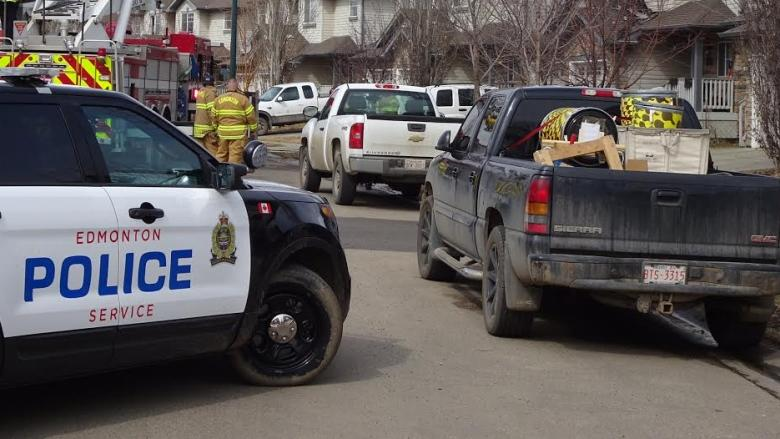 Man's body discovered in southwest Edmonton home after explosion, fire