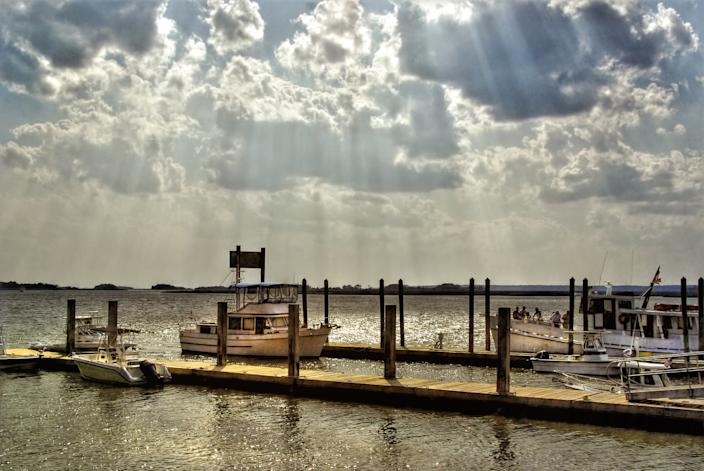 """<h1 class=""""title"""">Daufuskie Island historic district dock</h1><cite class=""""credit"""">Photo: Getty Images</cite>"""