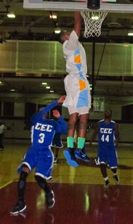 Communications Tech senior Terrence Brown dunks against Conwell-Egan — Philadelphia Daily News