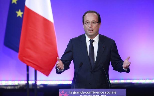 Francois Hollande Suffering from Serious Family Twitter Drama