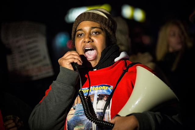 <p>Erica Garner, the Black Lives Matter activist and daughter of NYPD chokehold victim Eric Garner, died Dec. 30 at age 27 after a heart attack. (Photo: Andrew Burton/Getty Images) </p>