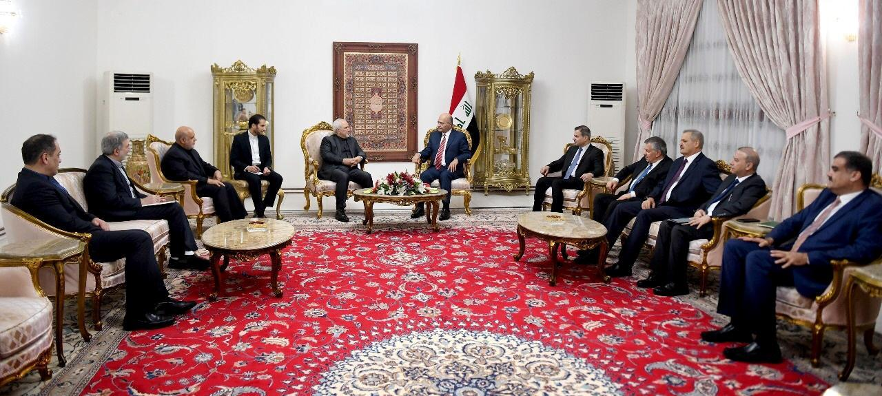 Iraq's President Barham Salih meets with Iranian Foreign Minsiter, Mohammad Javad Zarif, in Baghdad Iraq May 25, 2019. The Presidency of the Republic of Iraq Office/Handout via REUTERS ATTENTION EDITORS - THIS IMAGE WAS PROVIDED BY A THIRD PARTY.