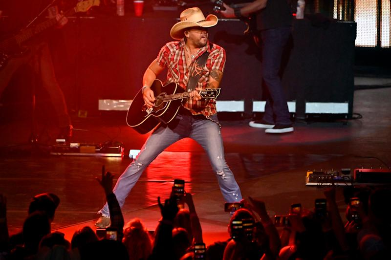 Jason Aldean plays first full Las Vegas show since shooting: 'Let's finish what we started'