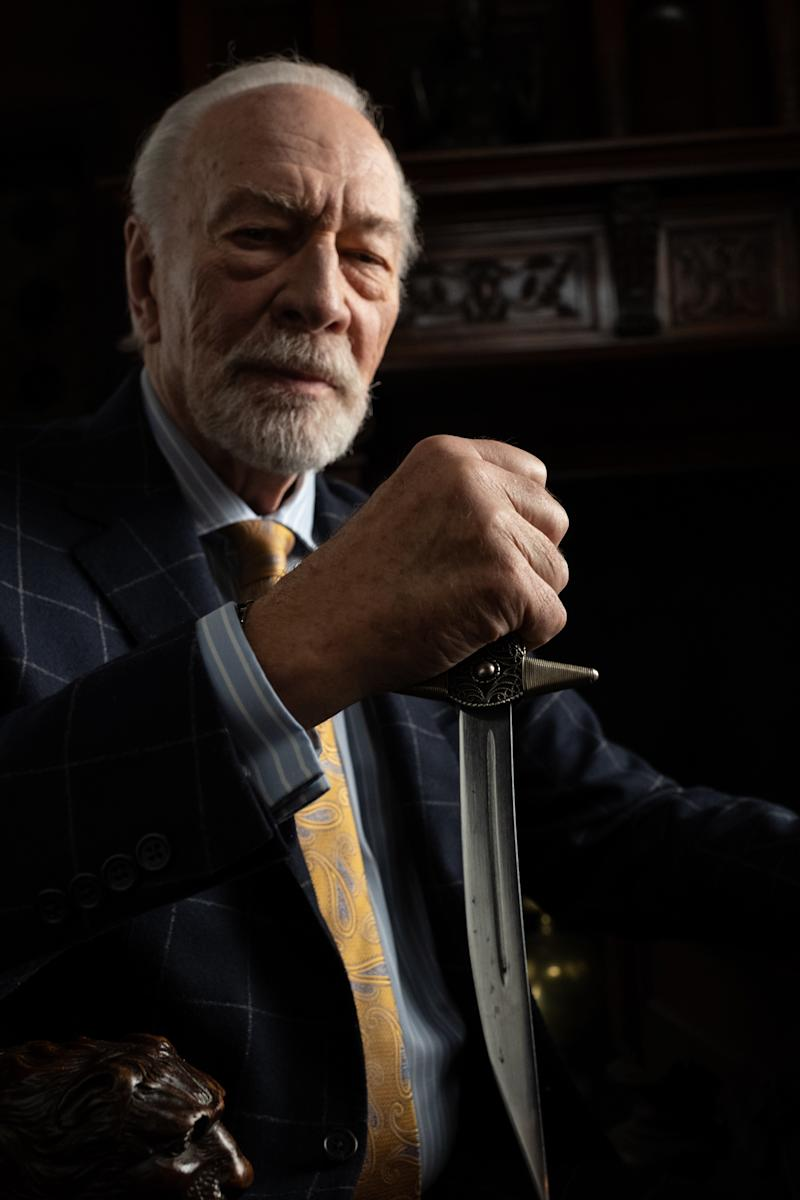 Harlan Thrombey (Christopher Plummer)