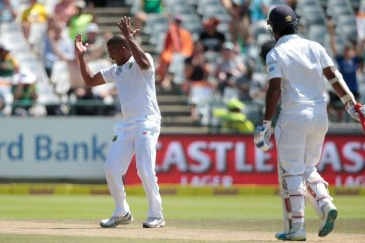 Vernon Philander strikes early for South Africa