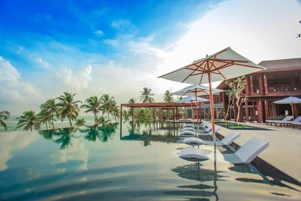 """<p>To be honest, they had us sold with those sunken sunbeds - perfect for a post-cocktail snooze in the pool.</p><p>Book via: <a href=""""https://www.airbnb.co.uk/rooms/5526354?guests=6&adults=6&location=sri%20lanka&s=E404LGT3"""" rel=""""nofollow noopener"""" target=""""_blank"""" data-ylk=""""slk:Airbnb"""" class=""""link rapid-noclick-resp"""">Airbnb</a></p>"""