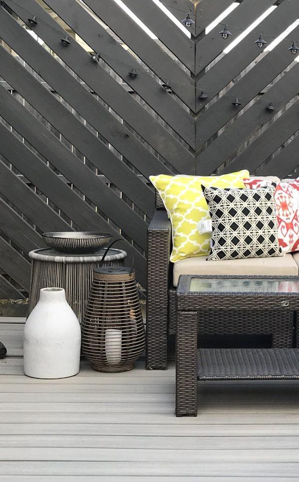 """<p>If your house backs up to another, you might desire a bit of privacy. Construct your floating deck, then add a privacy screen that's painted black with chevron detailing for a cool, modern touch.</p><p><strong>Get the tutorial at <a href=""""https://handmade-haven.com/blogs/news/diy-backyard-floating-deck"""" target=""""_blank"""">Handmade Haven</a>.</strong></p><p><a class=""""body-btn-link"""" href=""""https://www.amazon.com/Ryobi-P252-Brushless-Adjustable-Included/dp/B07KN8FHVY?tag=syn-yahoo-20&ascsubtag=%5Bartid%7C10050.g.30878403%5Bsrc%7Cyahoo-us"""">SHOP DRILLS</a></p>"""
