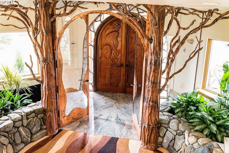 game of thrones house for sale in Ashland OR Entry