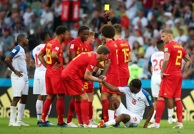 Soccer Football - World Cup - Group G - Belgium vs Panama - Fisht Stadium, Sochi, Russia - June 18, 2018 Belgium's Kevin De Bruyne is shown a yellow card by referee Janny Sikazwe as Belgium's Jan Vertonghen helps Panama's Luis Tejada REUTERS/Hannah McKay