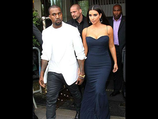 <b>1. Kim Kardashian and Kanye West </b><br>Team KimYe has managed to gain loads of fans, thanks to their extravagant sense of style. Besides being reality TV royalty, Kim boasts of an impeccable dressing sense. Kanye West has always been something of a trend setter and rebellious fashion icon for men with his over-the-top sense of style, accessorized using lots of bling. Together, Kanye and Kim might be the most unusual of couples but they seem to be very much in love.