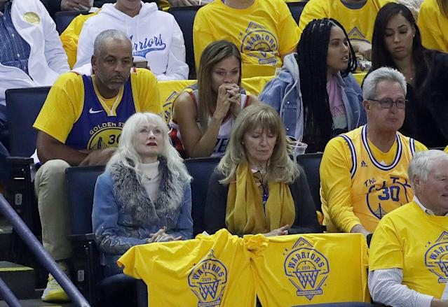 Dell Curry and Sonya Curry are stressed out during the Western Conference finals. Ayesha Curry not so much. (AP Photo/Jeff Chiu)