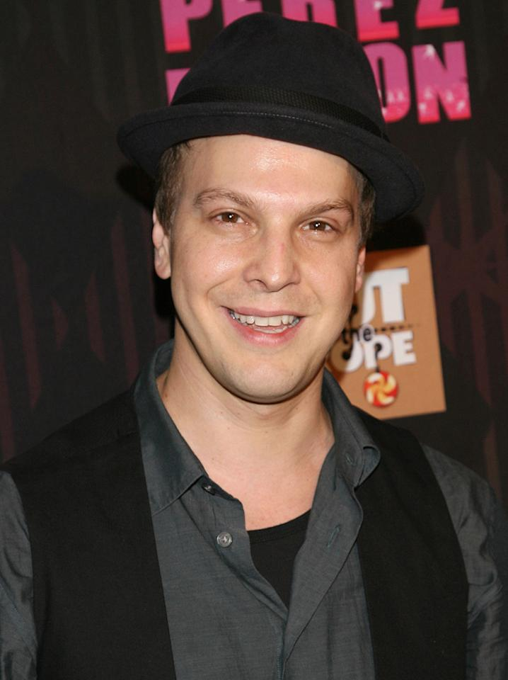 "<strong>Gavin DeGraw</strong><br><br> Singer-songwriter Gavin DeGraw will be dancing with last year's pro winner, Karina Smirnoff, on Season 14 of ""<a target=""_blank"" href=""http://tv.yahoo.com/dancing-with-the-stars/show/38356"">Dancing With the Stars</a>."""