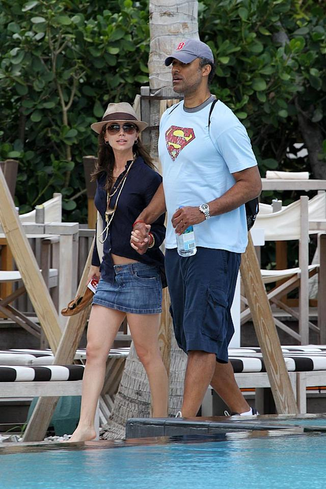 """After competing in the third annual Nautica South Beach Triathlon on Sunday to benefit St. Jude Children's Hospital, Eliza Dushku and her honey Rick Fox hit Miami Beach for a little rest and relaxation. Robert Keshishian/<a href=""""http://www.splashnewsonline.com/"""" target=""""new"""">Splash News</a> - April 13, 2010"""