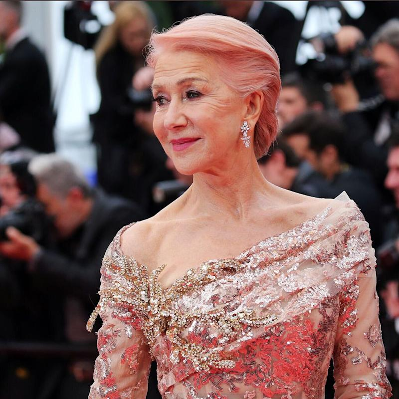 Elie Saab vistió a Helen Mirren en Cannes con su colección SS19 (Photo by Gisela Schober/Getty Images)