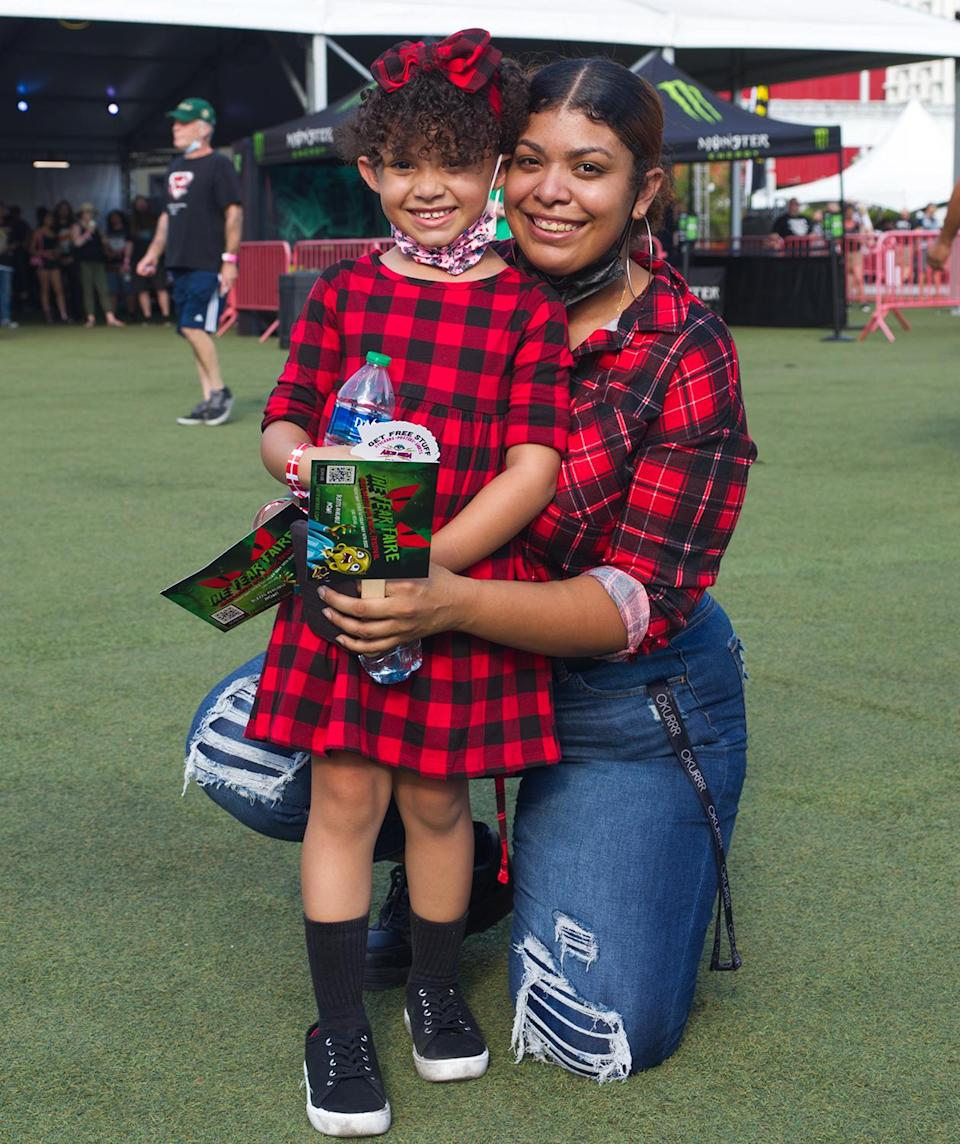 <p>This pair went mad for plaid.</p>