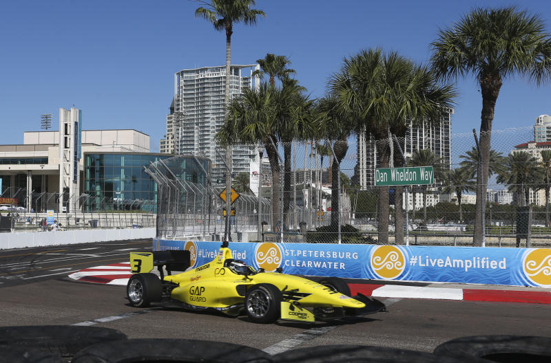IndyCar signs extensions with its 4 major partners