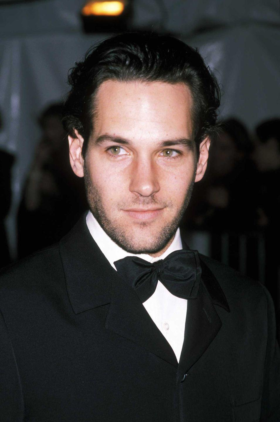 <p>This photo is from 1998 at a gala in New York City, and is clear proof Paul Rudd does not age at all. </p>
