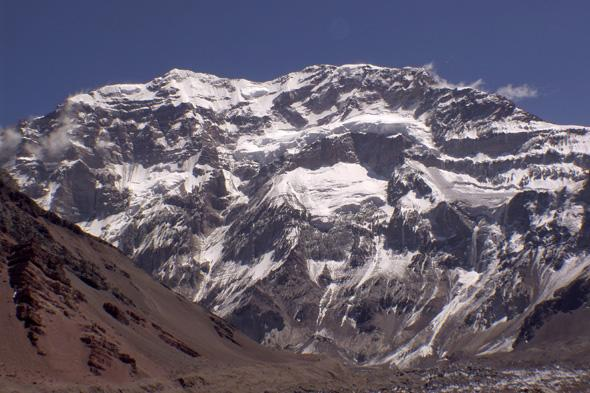 Argentinian mountain Aconcagua, Mendoza, Argentina, February 10, 2009. The Aconcagua, highest in the Americas, would measure 2.4 meters more than the 6964.4 meters set in 1989, according to new research conducted with technology systems advanced, published by Clarin newspaper on the date, June 14, 2012. Photo: STR/dpa/aa