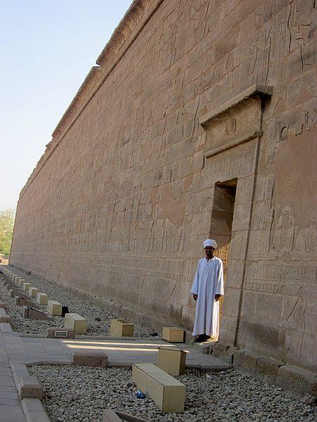 Goodbye at Edfu temple