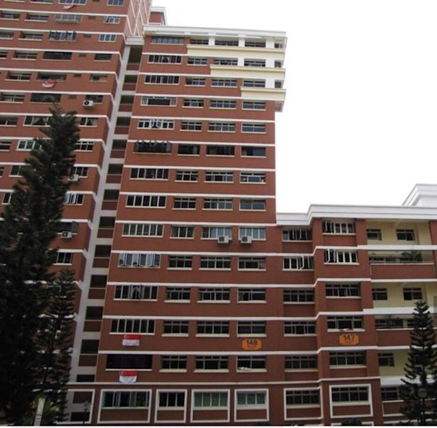 <p><img/></p>A HDB resale executive apartment at Block 148 Mei Ling Street in Queenstown, which has a balance lease of about 76 years, was sold this month for an eye-popping $1.08 million...