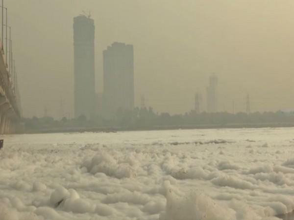 Thick layer of 'toxic' foam envelops Yamuna River in Delhi