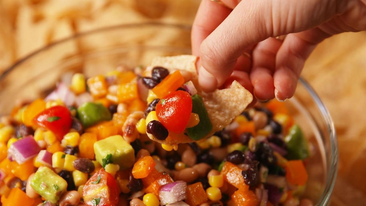 <p>These easy recipes are app-solutely perfect for all your warm-weather fetes.</p>